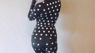 【画像】ZOZOスーツが女さんの自慢ボディをアピールするエチエチスーツになってしまってる件 →