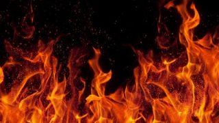 【燃えてみた】YouTubeを見て『ファイヤーチャレンジ』に挑戦の少女、全身大火傷