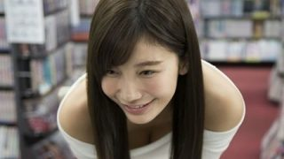【動画像】可愛くてナイスバディ『リアル峰不二子』小倉優香ちゃんに足りないもの