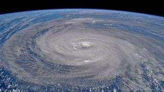 【沖縄被害状況】「台風24号過ぎるまで表に出ないで」大阪府知事が緊急会見