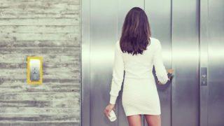 【動画】「最近ヘンタイが多すぎる」エレベーターで女性が男に押し倒される映像 ⇒
