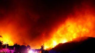 【悲報】山火事ビフォーアフターがヤバい… カリフォルニアで1000人以上行方不明