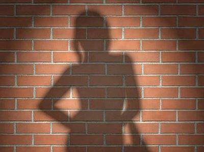 【画像】海外の『売春婦』たちの客の取り方ヤバいwwwwww