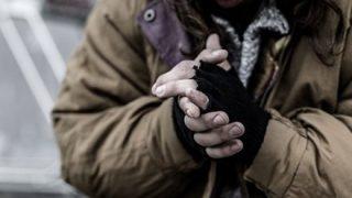 【美談詐欺】ホームレスに助けてもらった『作り話』で金集めた男女三人逮捕
