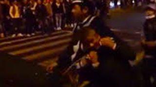 【大阪】DQN集団に囲まれた警察官の末路 →GIfと動画