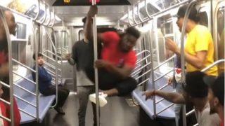 【速報】黒人が電車内で大暴れ 大炎上 →動画