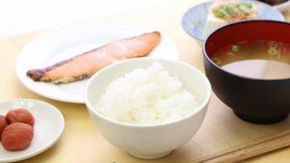 """【デマじゃなかった!】""""朝食抜くと体重増""""を解明"""