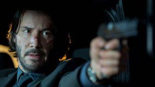 【GIf】暗殺者さん、うっかり銃を落としてしまう