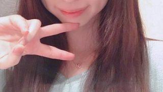 【ビッチ速報】経験人数80人の現役女子大生が3作同時AVデビュー