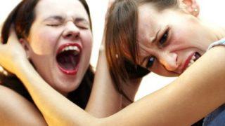 【悲報】女性同士がガチで喧嘩するとこうなる →→→