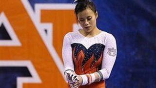 【閲覧注意】美少女体操選手、着地に失敗し両足骨折 →GIfと動画