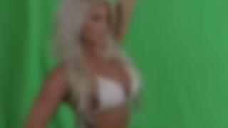 【動画像】水着美女のCM撮影中にスタッフが 勃 起 してしまい撮影中止に