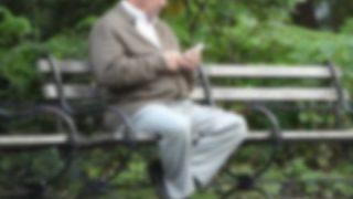 馬鹿女「嫌ああぁぁ!見知らぬ男が公園のベンチでスマホ触ってるうぅ!」 →結果