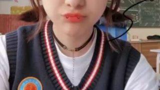 【画像】ウイグルの女子高生めっちゃ可愛いwwwww