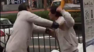 【大外刈り】博士とオッサンが殴り合いの喧嘩 →GIfと動画