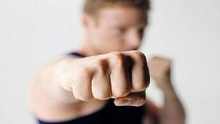 芸スポ民「シャドーボクシング毎日250回やった結果」→