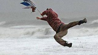 【台風】家具が宙を舞う『風速70m』の破壊力<GIfと動画>怖すぎワロタwwwwwwwww