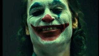男 (ジョーカー上映中に「アッラー・アクバル!」って叫んだらバカウケやろなあ……)