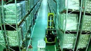 【完全にドリフ】ドミノ効果で倉庫内がほぼ崩壊 →動画