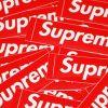 【悲報】Supremeさん、普通の白い運動靴にロゴを入れただけの手抜き商品を発売