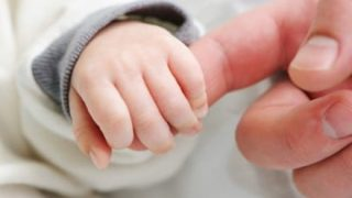 【動画像】脳が2%しかない状態で生まれた男児の現在