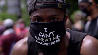 ◆黒人デモ隊◆「店を壊さないで」懇願する白人お婆さんを集団リンチする衝撃映像
