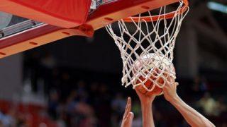 【動画像】チート過ぎるバスケットボール選手が発見されるwwwwww