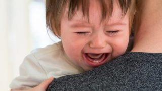 『赤ちゃんが自分の漫才舞台で泣き出した時』キンコン西野と中川家の対応の違いが話題に