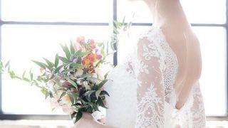 【画像】結婚式でお尻が丸見えの花嫁