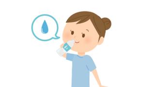 【画像】ペットボトルの口を咥えて飲む女の子wwwwwwwww