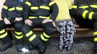 【動画】ワールドカップ観戦中に出動要請があった消防士さん、凄すぎるwww