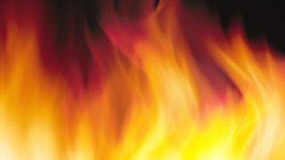 炎って固体、液体、気体のどれなの?